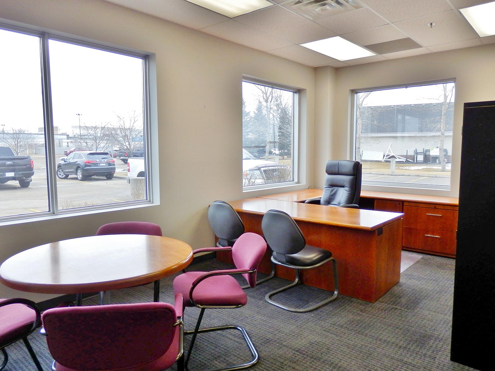 What are Some Things to Look Out for When Renting Office Space for a Startup?